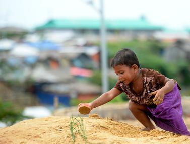 Potret Anak-Anak Pengungsi Rohingya di Kamp Kutupalong Bangladesh