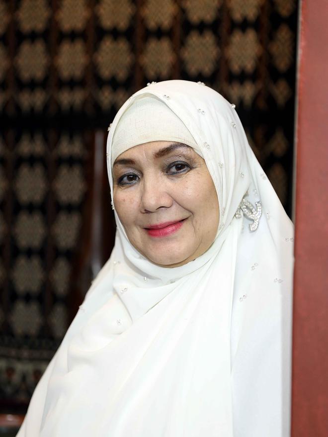 Tinggalkan Film, Eva Arnas Tobat Jadi Bintang Film Panas