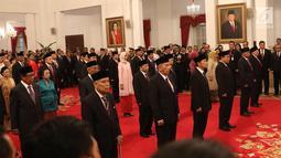 Sejumlah tokoh nasional menghadiri upacara pemberian tanda kehormatan di Istana Negara, Jakarta, Kamis (15/8/2019). Dalam rangka peringatanHUT ke-74 RI, Presiden memberikan gelar tanda kehormatan Bintang Mahaputra Utama dan Bintang Jasa Utama kepada 29 orang. (Liputan6.com/Angga Yuniar)