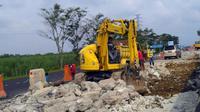 Perbaikan jalan tol Kanci-Pejagan. (Foto: Fiki Ariyanti/Liputan6.com)