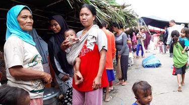 Pengungsi gempa Halmahera.