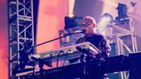 Sebelumnya, sosok Badai dikenal publik sejak bergabung dengan band Kerispatih. Setelah 13 tahun bersama pada 24 Mei 2016 lalu ia memutuskan mengundurkan diri. Kemudian Badai membuat proyek untuk musiknya sendiri dan telah mengeluarkan beberap lagu. (Liputan6.com/IG/@_.badaithepianoman)