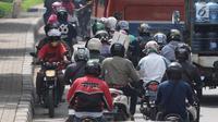 Pemerintah Kota Tangerang saat ini tengah mengkaji pengurangan penggunaan lampu lalu lintas di Jalan Raya Kota Tangerang