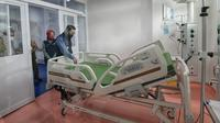 Gubernur Jawa Barat Ridwan Kamil meninjau Fasilitas Pelayanan Kesehatan (Fasyankes) rujukan Covid-19 di Rumah Sakit Khusus Ibu dan Anak (RSKIA) Kota Bandung, Selasa (15/9/2020). (Foto: Humas Jabar)