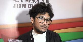 Kunto Aji ikut meramaikan panggung Java Jazz Festival 2016. Melihat tidak hanya musisi Jazz yang mengisi panggung, Kunto Aji pun senang melihat keberagaman yang disajikan di Java Jazz tahun ini.