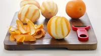 Jangan buang dulu kulit pisang dan jeruk di rumah Anda karena ada manfaatnya.