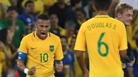 Ekspresi striker tim nasional Brasil, Neymar, usai mencetak gol ke gawang Jerman, pada pertandingan final cabang sepak bola Olimpiade 2016, di Stadion Maracana, Rio de Janiero, Sabtu atau Minggu (21/8/2016) dini hari WIB. (AFPLuis Acosta).