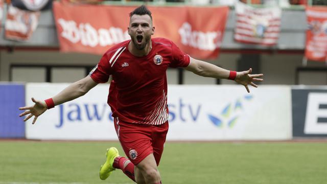 Striker Persija Jakarta, Marko Simic, merayakan gol yang dicetaknya ke gawang 757 Kepri Jaya. (Bola.com/Yoppy Renato)