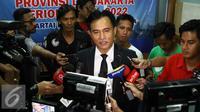 Balon Gubernur DKI, Yusril Ihza Mahendra memberikan keterangan kepada wartawan usai menjalani tes misi visi di DPD Demokrat, Jakarta. (Liputan6.com/Helmi Afandi)