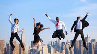Proyek kantormu sukses dan memuaskan? Rayakan bersama klien dan rekan kerjamu malam ini.
