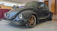 Super Beetle 1303 keluaran 1974 yang direstorasi bergaya German Look menjadi hadiah lucky draw JVWF 2019 (Liputan6.com/ Switzy Sabandar)