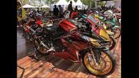 Modifikasi Honda CBR250RR dengan stiker (Ray/Otosia.com)
