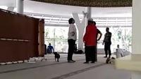 Wanita mengamuk di Masjid Bogor.