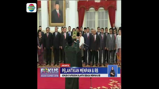 Pelantikan dan pengambilan sumpah Komjen Pol Syafruddin dilakukan di Istana Negara Jakarta.