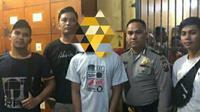 Tersangka penyebar foto dan video mesum mantan pacarnya di Rokan Hulu ditangkap Polda Riau. (Liputan6.com/Istimewa/M Syukur)