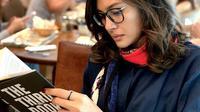 Pesona Raihaanun yang sabet predikat aktris terbaik di AIFFA 2019. (Sumber: Instagram/raihaanun)