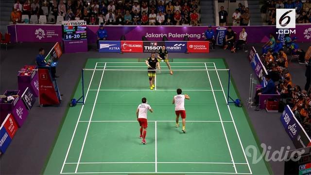 Ganda putri Indonesia, Greysia Polii / Apriani Rahayu melangkah ke semifinal setelah mengalahkan Tang Jinhua/Zheng Yu dalam tiga set.