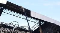 Penampakan atap Terminal 3 Bandara Soetta yang copot. (Pramita/Liputan6.com)