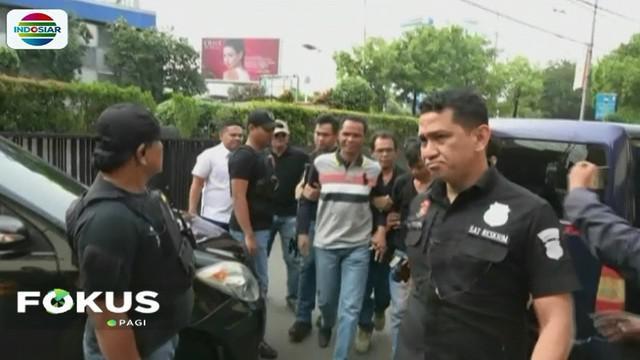 Polisi, sebelumnya telah menangkap 12 anak buah Hercules di lokasi lahan yang diduduki kelompok Hercules.