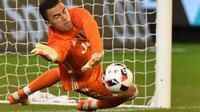 Kiper Juventus keturunan Indonesia, Emil Audero. (AFP/Paul Crock)