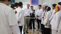 Menteri Agama Lukman Hakim Saifudin berkunjung ke Kantor Kesehatan Haji Indonesia (KKHI) di Makkah, Sabtu (3/8/2019). (Foto: dok. Biro Komunikasi dan Pelayanan Masyarakat Kemenkes RI)