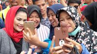 Puti Guntur Sukarno dan Wali Kota Surabaya Tri Rismaharini