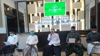 PWNU Jatim memastikan vaksin Sinovac dan Astrazeneca halal. (Dian Kurniawan/liputan6.com)