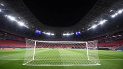 Pada 2002, Nepstadion berubah nama menjadi Ferenc Puskas Stadium. Pergantian nama tersebut sabagai bentuk penghormatan kepada legenda sepak bola, Ferenc Puskas. (AFP/Attila Kisbenedek)