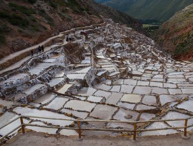 Unik, Tambak Garam Puluhan Hektare Ada di Pegunungan Peru