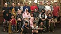 Pesepak bola dan mantan pesepak bola asal Kediri yang tergabung dalam Regas FC berkumpul dalam buka puasa bersama pada akhir Ramadhan tahun ini, Sabtu (23/5/2020). (Bola.com/Gatot Susetyo)