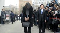 Mantan eksekutif Korean Air, Heather Cho meminta maaf karena membuat tertundanya penerbangan akibat 'skandal kacang' di pesawat.