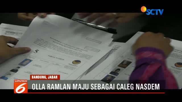 Artis Olla Ramlan maju jadi calon legislatif Partai Nasdem sedangkan Jane Shalimar maju di Partai Demokrat.