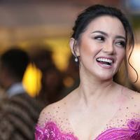 Ririn Ekawati di Indonesia Fashion Week 2018. (Foto: Adrian Utama Putra)