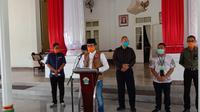 Bupati Bangkalan R Abdul Latief saat mengumumkan tanggal darurat covid 19.