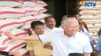 Selain membahas soal pengiriman beras dari daerah yang berkurang, Mendag Enngartiasto juga membahas harga eceran tertinggi (HET).