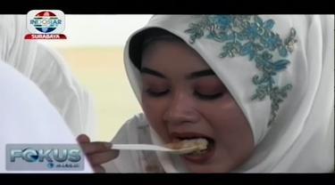 Warga Bondowoso mengikuti tradisi Arebbe Tajin Sorah menjelang perayaan Tahun Baru Islam yang menjadi bentuk rasa syukur yang diwujudkan dengan memberikan do'a kepada para leluhur.