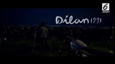 Di trailer film Dilan 1991, dihiasi dialog romantis antara Dilan, yang diperankan oleh Iqbaal Ramadhan dan Milea, yang diperankan oleh Vanesha Prescilla. Siapa sangka, trailer yang baru diluncurkan ini berhasil bikin warganet baper!