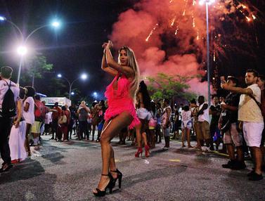 Melihat Persiapan Penari Samba Jelang Karnaval Rio de Janeiro