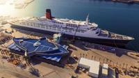 Seperti ini keseruan kapal ikonik Ratu Elizabeth II yang disulap menjadi hotel mewah. (Foto: Instagram @qe2dubai)