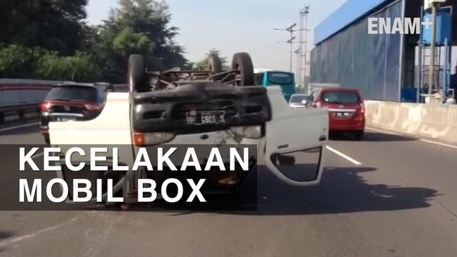 Kecelakaan Mobil box di KM 02 tol dalam kota terjadi akibat supir hilang kendali