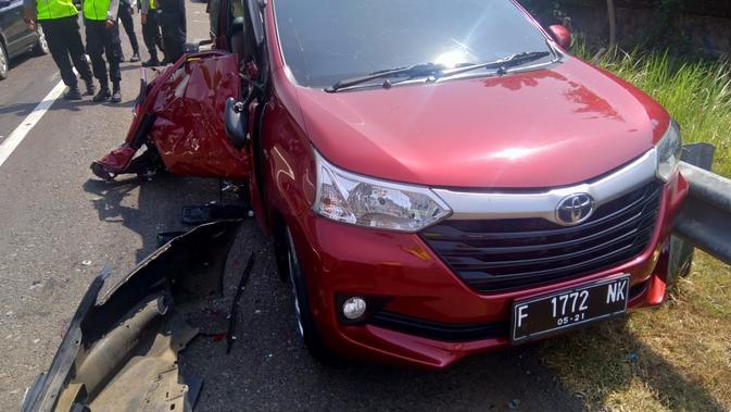 Image result for image Terjadinya Kecelakaan Di Tol Cipali Km 166 Arah Jakarta Macet Panjang