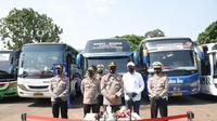 Kakorlantas Irjen Pol Istiono mmenggelar kegiatan Rapid Test gratis bagi para supir bus. (Istimewa)