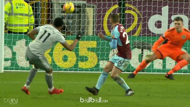 Manchester United sukses bawa pulang tiga poin ketika bertandang ke Burnley, pada Sabtu (20/1). Burnley lumayan berani tampil terb...