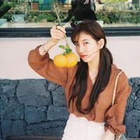 Suzy merupakan salah satu idol Korea Selatan yang punya jadwal yang sangat padat. Selain terjun di dunia tarik suara, ia juga melebarkan sayapnya ke dunia akting. (Foto: instagram.com/skuukzky)
