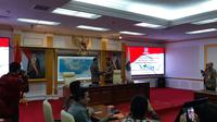 Kemendagri melantik Wakil Gubernur Kepulauan Riau, Isdianto sebagai pelaksana tugas gubernur. (Liputan6.com/Fachrur Rozie)