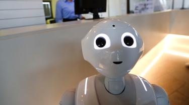 Robot di Italia Gantikan Peran Sales Mobil hingga Pelayan Restoran