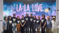 Berbeda dari pentas teater musikal lain yang umumnya dilakukan di dalam ruangan, La La Love ditampilkan dengan konsep unik.