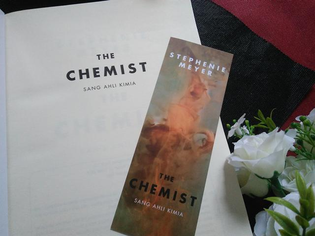 Novel The Chemist./Copyright Vemale/Endah