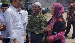 Kenangan Jokowi bertemu ibu angkat (Liputan6.com/Rino Abonita)