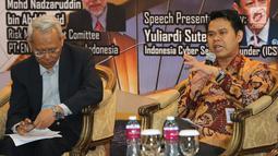 Pimpinan Lazizmu, Rizaludin Kurniawan memberikan paparan pada seminar bertajuk Membangun Ekosistem Teknologi Digital dengan Infrastruktur Pembayaran Global Syariah di Indonesia, Jakarta, Rabu (8/8). (Liputan6.com)